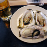 ゴザイン - 料理写真:焼き牡蠣&生ビール~☆