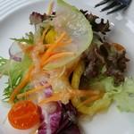 ダイニングカフェ・ボリジ - コースの前菜。色合いも綺麗♪