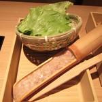 Shabushabuonyasai - 夕採れレタス+竹筒鶏つみれ。