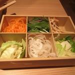 Shabushabuonyasai - 国産野菜。
