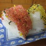 麺処 河萬 - たらこ、のりたまのおにぎり
