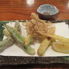 本陣房 - 料理写真:「穂付きヤングコーンとアスパラの天ぷら」