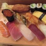 おひげ寿司 - 握りUP