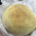 65179395 - とろーり半熟卵のカレーパン(260円)