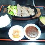 ビーフショップあさじ - 焼肉定食(上赤身1500円)