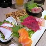 個室居酒屋 北海道漁港 なまら屋 - 北海道鮮魚お造り五種盛り合わせ(2人前)¥1480