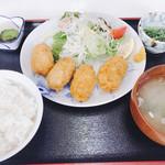 まるへい - カキフライ定食