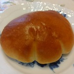 三好パン - クリームパン(140円)とろとろのカスタードクリームは卵感少なめで優しい甘さ。