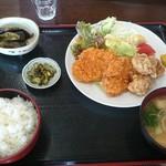みのり食堂 - 2016/07/20 11:45訪問 ヒレカツ&鶏唐揚げ定食