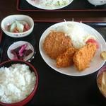 みのり食堂 - 2016/07/05 11:45訪問 ヒレカツ&メンチカツ定食