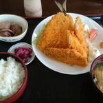 みのり食堂 - 2016/06/15 11:40訪問 ミックスフライ定食