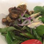 麺作 赤シャモジ - 2017/04/01 香草豚のトンテキと旬野菜の冷やし麺 定番冷やし中華タレ 800円