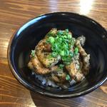 麺作 赤シャモジ - 2017/04/08 香草豚のトンテキ丼 300円