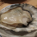 魚河岸酒場 魚楽 - ふっくら焼き牡蠣