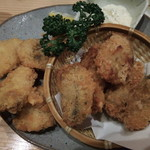 魚河岸酒場 魚楽 - カキと白身魚のフライ
