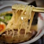 流星軒 - 流星麺は塩味、細麺