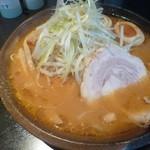 麺屋 遊助 - 濃厚味噌(800円)+ネギチャーシュー丼(200円)+替え玉(100円)