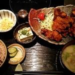 餃子鍋 A-chan 北新地 - 鶏の唐揚げ定食