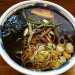 信州蕎麦の草笛 - 山菜蕎麦小盛り800円
