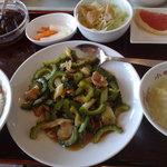 小味園 本店 - 豚肉とニガ瓜の炒め物