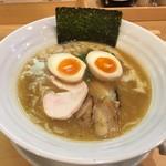 鶏そば 小箱 - 鶏煮込みそば醤油(780円)+味玉(100円)