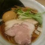 麺処 景虎 ほん田  - 特製鶏だし醤油ラーメン(980円)