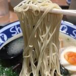 博多らーめん ShinShin - 極細ストレート麺