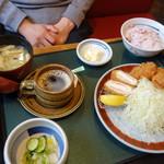 ジャンボ海老まるやま門田店 - ミックスフライ膳(\1400位)ご飯、キャベツはお代わり自由