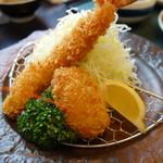 ジャンボ海老まるやま門田店 - エビフライ、蟹クリームコロッケ