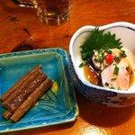花紋 - 牛蒡の柚醤油漬と自家製の鮟肝は絶品!