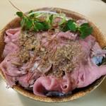 65220918 - ローストビーフ丼(小)¥300
