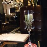 Lounge R -