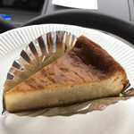 雪岡 市郎兵衛洋菓子舗 - 料理写真:サントモールのチーズケーキ