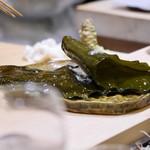 すし 陸 - 昆布でしめた牡蠣
