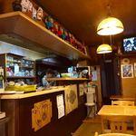 大阪屋食堂 - 店内