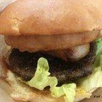 Burgers Cafe 池田屋 - オニオンバーガー