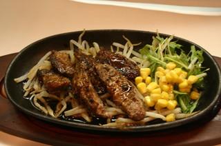 らんまる - まぐろのほほ肉ステーキ ¥750