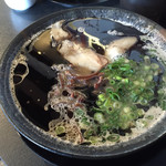 らぁめん籠目 - 料理写真:黒らあめん=690円