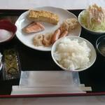 ニュー河内屋 - 料理写真:朝食