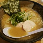 濃厚鶏ソバ 麺 ザ クロ - 濃厚醤油鶏白湯SOBA