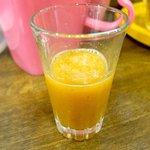 つけめん うさぎちゃん - ウェルカムドリンクは野菜ジュース。