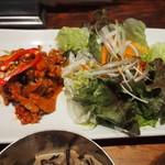 チャンチ 梅田店 - ネギとサンチュで食べるダッカルビ