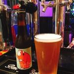 BROOKLYN DELI CRAFT BEER - 日替わりの国産クラフトビールもパイントサイズ780円。