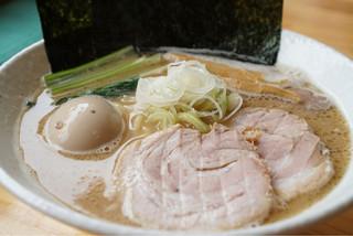 らぁ麺 次男坊 - 特製◯次ラーメン 海苔、チャーシュー2枚ずつ追加されて、味玉も乗っているらぁ麺