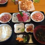 65256590 - 此れが今の御飯屋さくら                       特別定食1530円です。