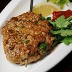 ラム肉の串ハンバーグ