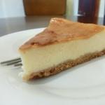 ヒヨリ+キッサ - ベイクドチーズケーキ