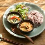 プー キッチン - 料理写真:カレープレート(カレーの内容は週替りです)