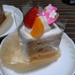スイス菓子 バーゼル - 桜のシフォンケーキ