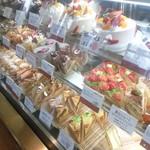 スイス菓子 バーゼル - ショーケース③